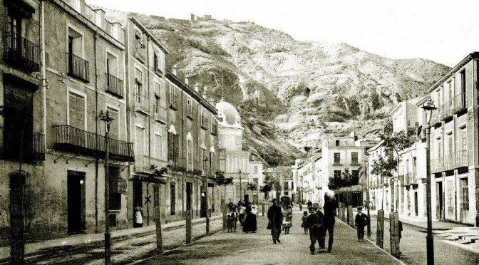 La noche del 5 de marzo de 1914 en la calle Sarmiento.
